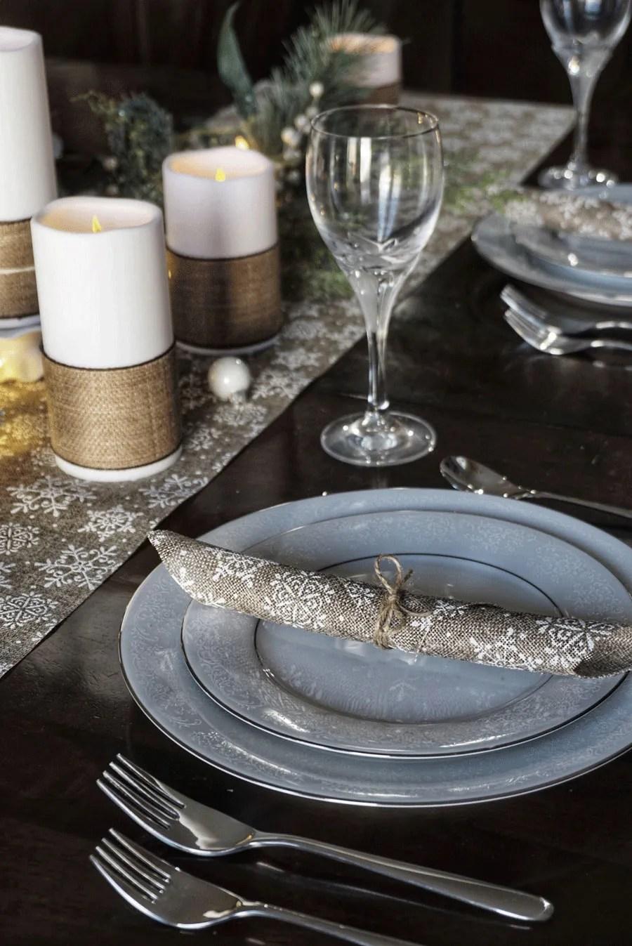 tavola delle feste - natale tovagliolo e candele