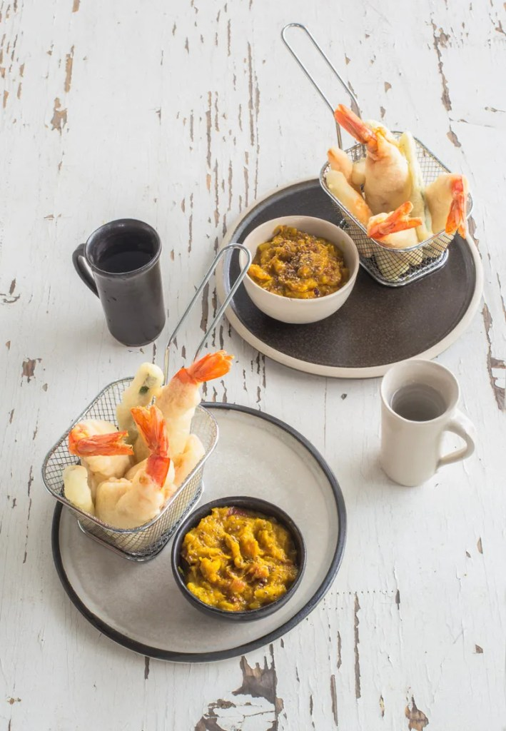 Gamberi in tempura alla paprika con chutney di mango