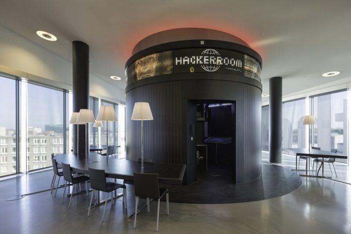 Hackerroom de nieuwe bibliotheek