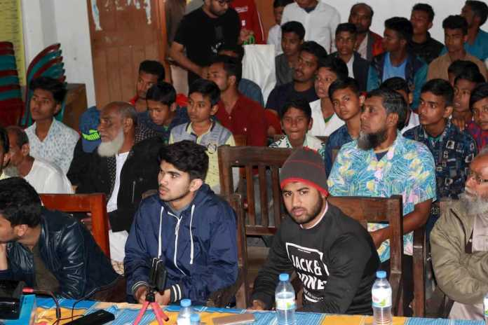 Publiek bij Seats2meet Bangladesh festival sharing is caring
