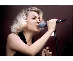 Base Karaoke in Midi o Mp3 di Get Lucky di Karen Souza