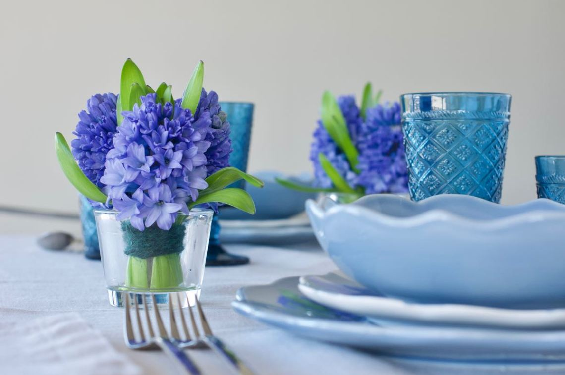 tavola primavera fiori