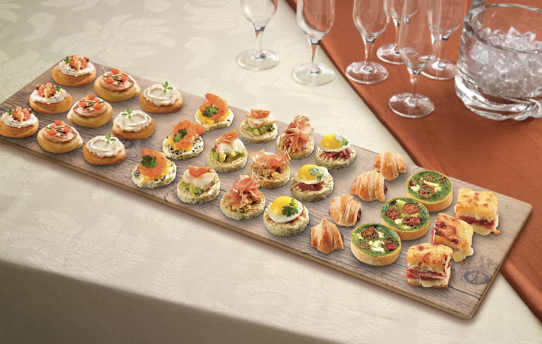 Apparecchiare Tavola In Terrazza happy hour: come allestire la tavola per un aperitivo a casa