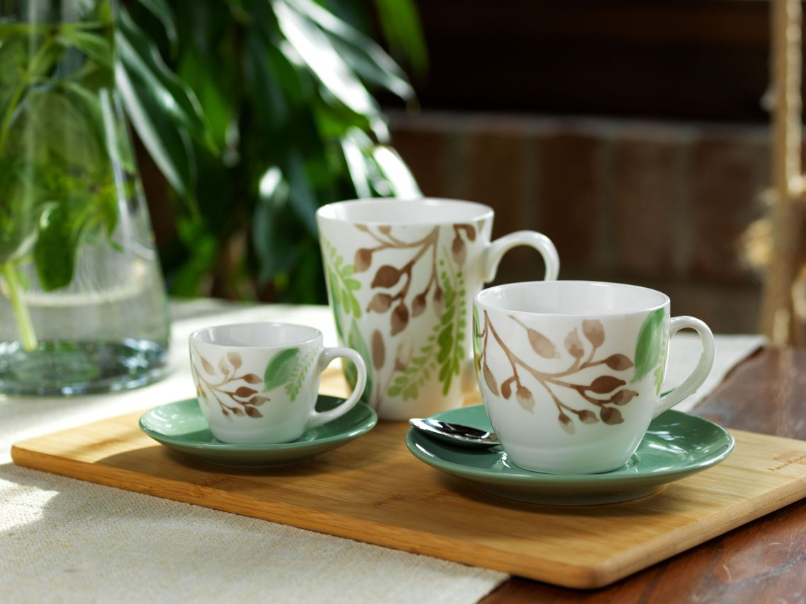 tazza da tè, tazzina da caffè e mug della linea metropolis mandy tognana, in porcellana