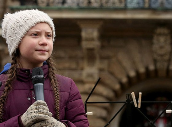 La foto mostra Greta Thunberg