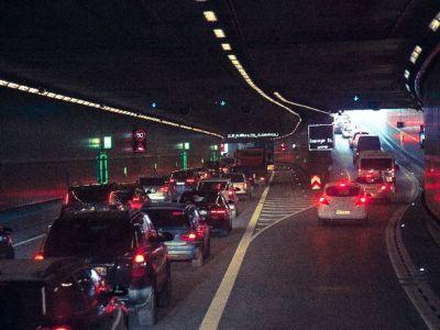 2015年のお盆は、車で帰省するなら12日出発16日帰宅で渋滞回避!