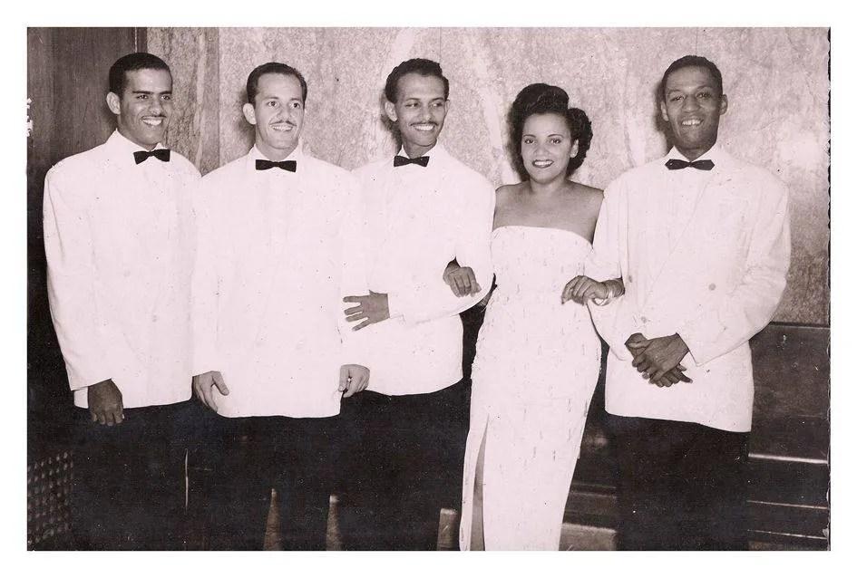 Cuarteto de Orlando de la Rosa. De izquierda a derecha: Aurelio Reinoso, Alberto Barceló, Adalberto del Río y Elena Burke. Foto: Archivos privados Orlando de la Rosa-Adalberto del Río.