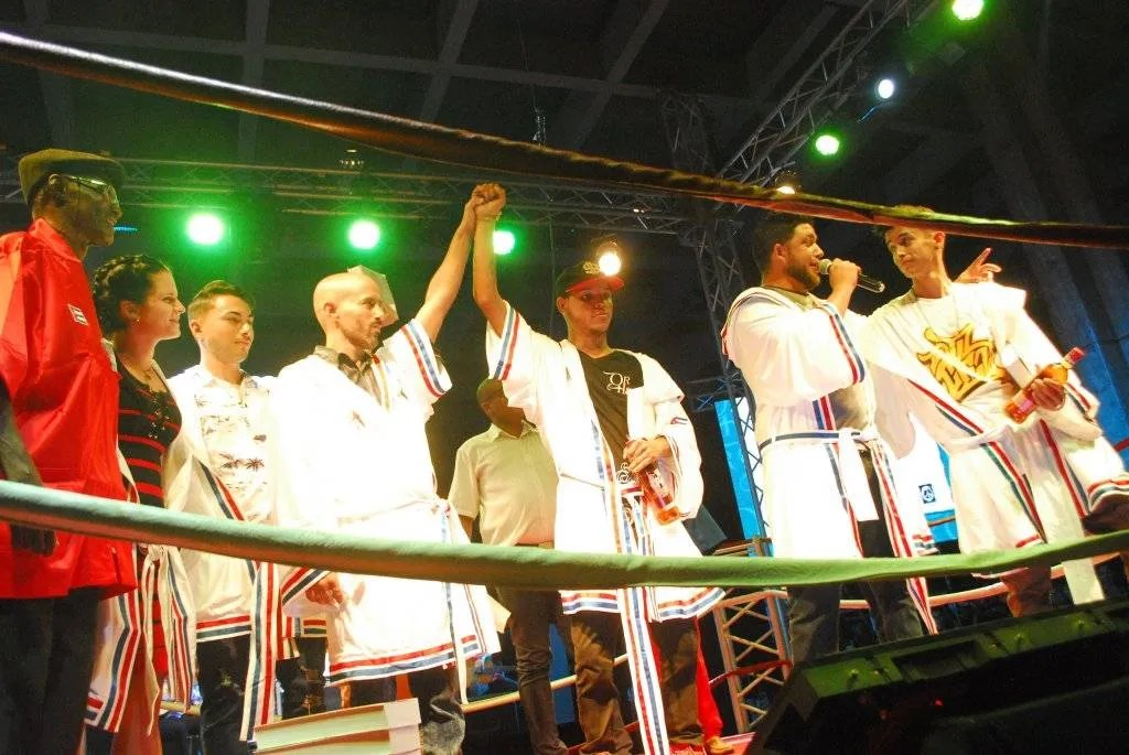 Choque de Improvisadores entre freestylers y repentistas en el Festival Oralitura Habana, 2019. Foto: Yoandry Ávila.