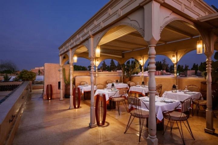 L'intima atmosfera del rooftop panoramico di La Table du Riad