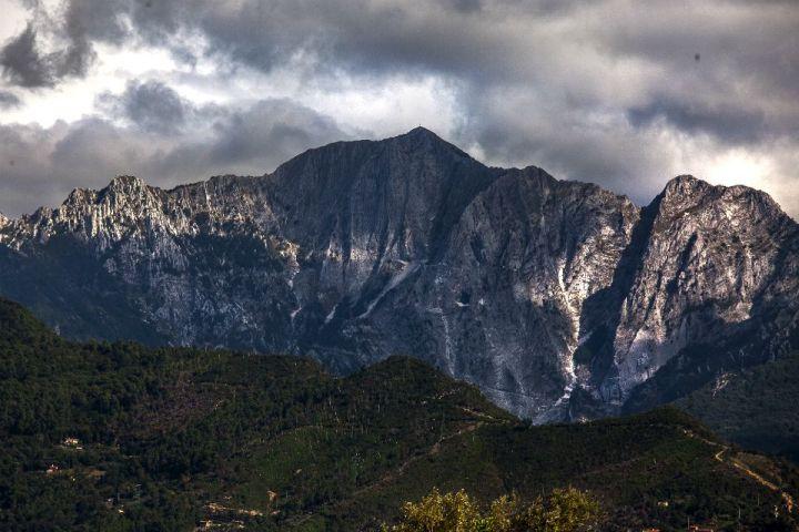 Alpi Apuane nei dintorni di Colonnata