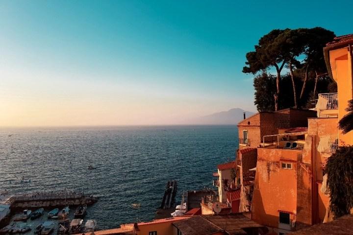 Vista sul mare di Sorrento, Campania.