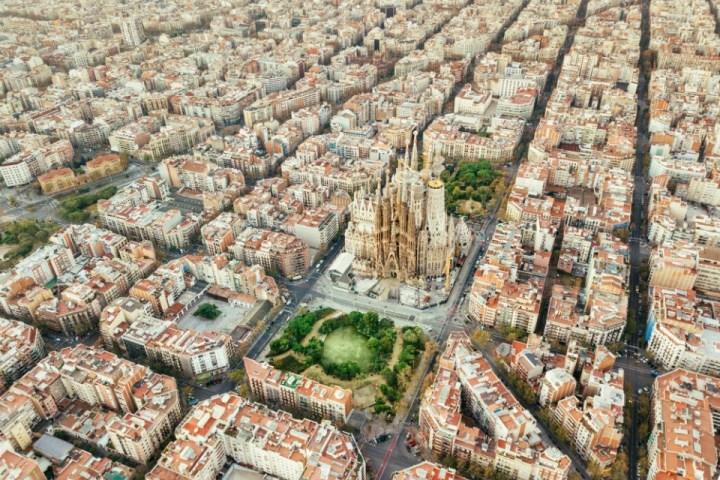 Vista sul quartiere Eixample e sulla Sagrada Familia