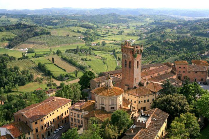 Vista del Duomo e del Campanile di San Miniato dall'alto