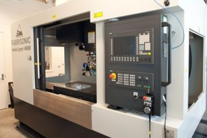 © Centre de métallurgie du Québec. Machine de soudage par ultrasons