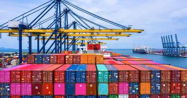 Dossier transport, douanes et équipement