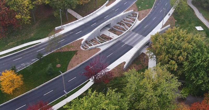 La structure des nouveaux ponts Darwin, à Montréal.