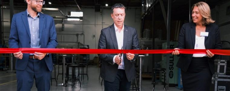 Cérémonie d'ouverture de l'usine de CO7 Technologies de Lachine