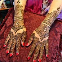 30 elegant Mehndi designs from thae back for ladies (15)