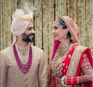 Sonam Kapoor & Anand Ahuja Wedding Pictures and Video (1)