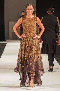 Mohabat Nama Collection at PFW London 2018 By HSY (12)