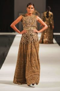 Mohabat Nama Collection at PFW London 2018 By HSY (15)