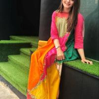 Beautiful Photoshoot of Aiman Khan and Minal Khan (1)