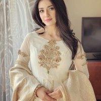 Pakistani Model Sarah Khan Photoshoot (10)