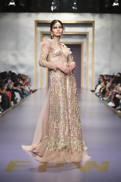 Shiza Hassan day 3 @ fpw 2019 (11)