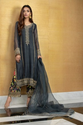 What is in Store Mina Hasan Creates A Collection With The Memories Of Noor Jehan (11)