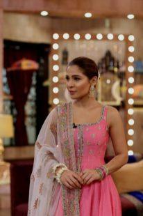 Actress Ayesha Omar's Pictures in Morning Show of Nida Yasir (4)