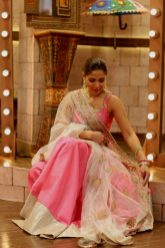 Actress Ayesha Omar's Pictures in Morning Show of Nida Yasir (7)