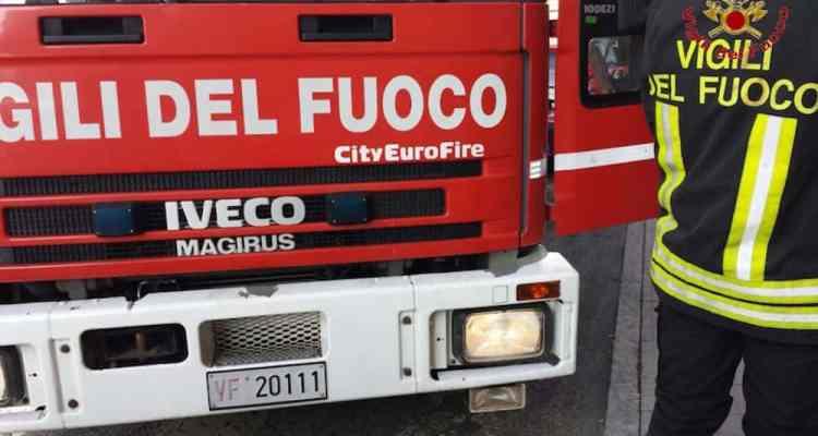 E' accaduto questa mattina poco dopo le 8:00 in Via Zago, nel Quartiere San Donato di Bologna. Inutili i soccorsi.