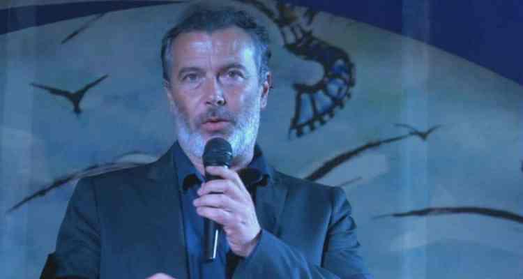 """Si conclude la XII edizione del Villammare Film Festival, premiati Paolo Sassanelli e Milena Miconi, per la categoria miglior attore e attrice protagonista. Il corto che vince questa edizione è """"From on high"""" di Dawn Westlake, al secondo posto Hleb Popu e al terzo posto Sara Sole Notarbartolo."""