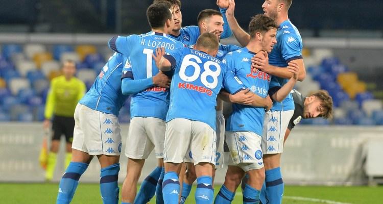 Il Napoli supera l'Empoli e passa il turno di Coppa Italia dopo un match emozionante e ricco di gol, risolto da Petagna in mischia. Le foto.