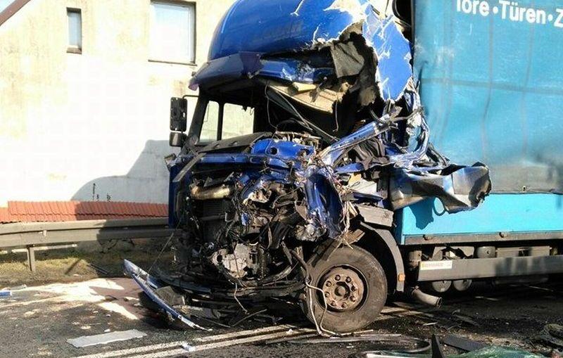 Wypadek z udziałem trzech aut w Osieku