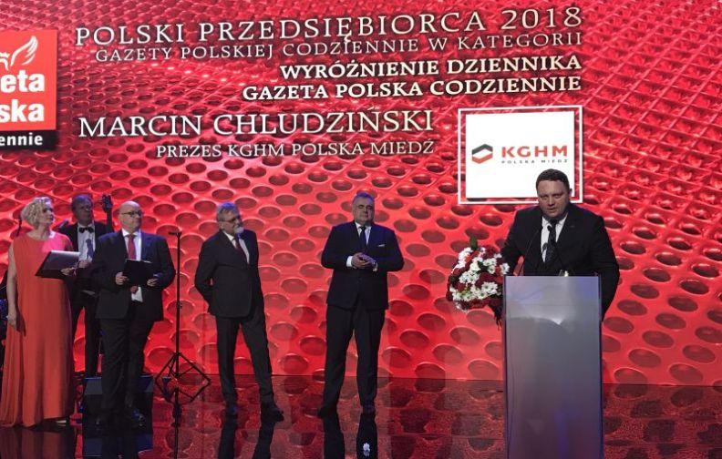 Prezes KGHM Marcin Chludziński z wyróżnieniem ...
