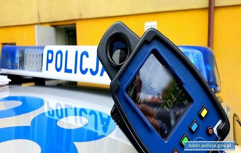 """Dwóch kierujących """"z zakazem"""" zatrzymali policjanci"""