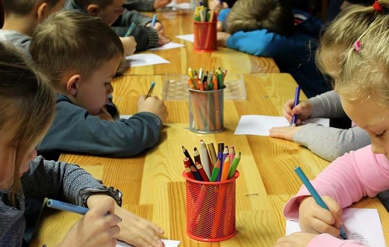 """""""Dobry Start"""" – już 1,3 mln przyznanych świadczeń dla uczniów"""
