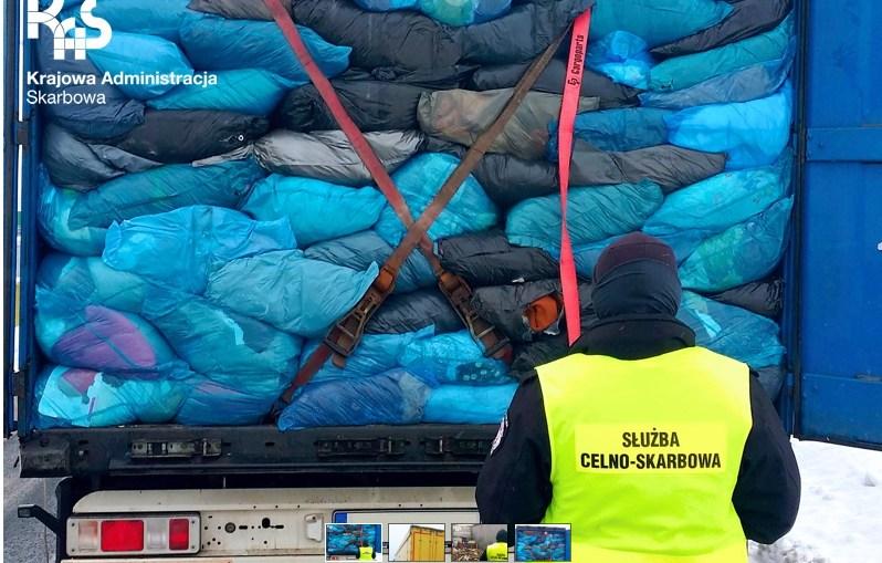 KAS zatrzymała transport 40 ton odpadów