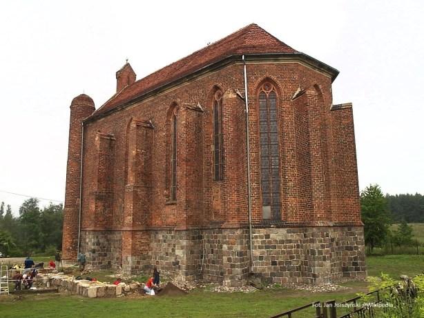 gotycka kaplica wChwarszczanach