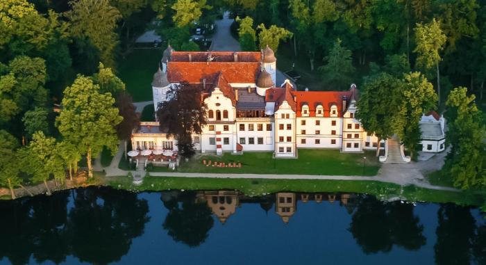Hotele zamkowe w Polsce - Hotel Podewils - Zamek Rycerski w Krągu ***