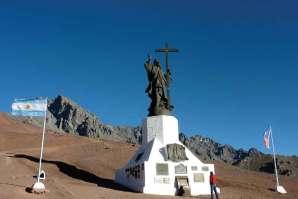 Pomnik Chrystusa Zbawiciela Andów na granicy chilijsko-argentyńskiej