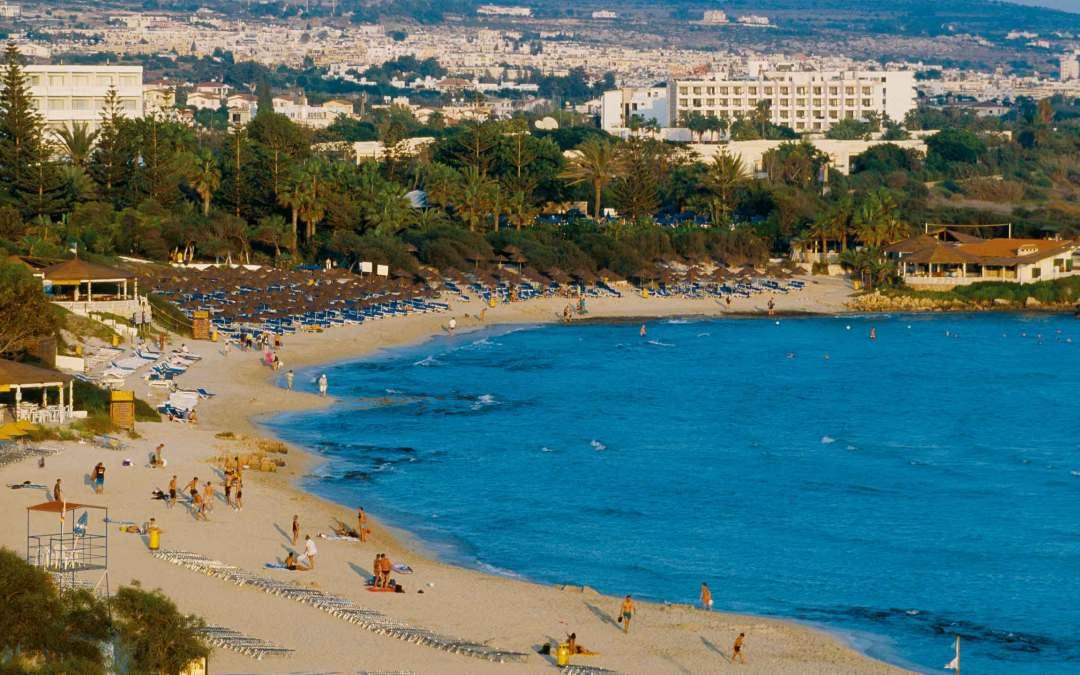 Cypr znosi zakaz podróżowania wobec 56 krajów