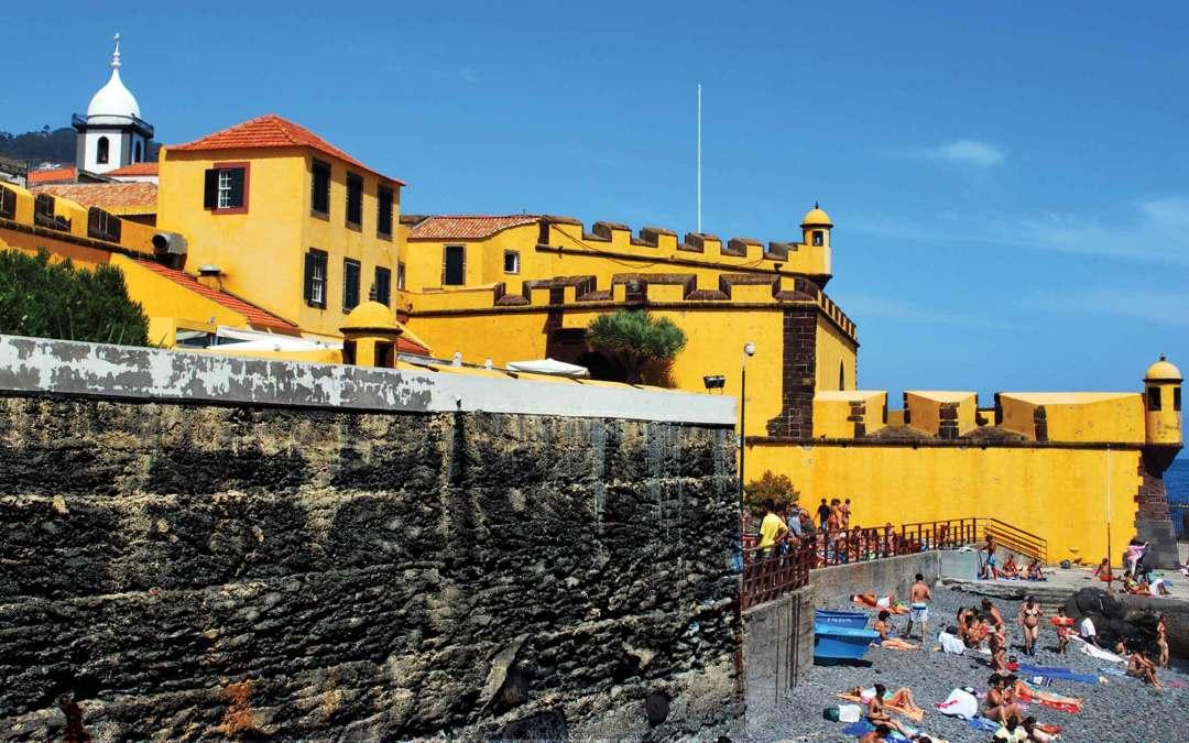 Madera – niewielka wyspa na Atlantyku