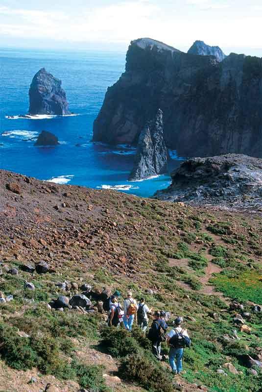 Wyspę oplata 200 km szlaków turystycznych