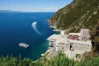 Klasztor św. Dionizego położony na górze Athos został założony w XIV wieku przez Dionizego z Korisos i nazwano go właśnie od jego imienia. W klasztornej bibliotece przechowywanych jest ponad 4 tysiące drukowanych ksiąg i 804 rękopisy, z których najstarszy pochodzi z IX wieku. W klasztorze mieszka dziś około 50 mnichów.
