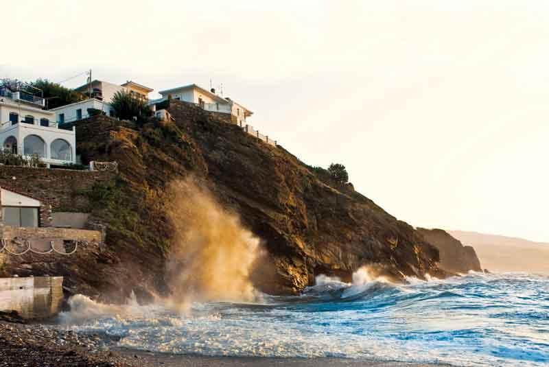 Ikaria waves
