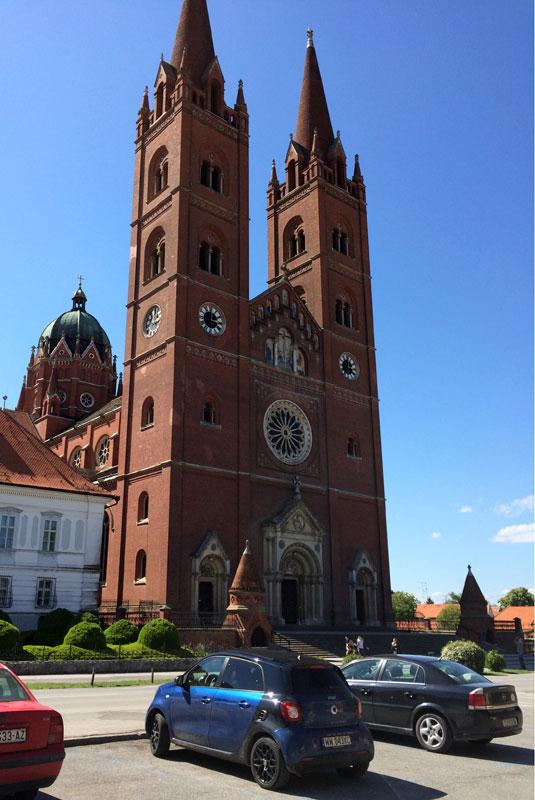 Pod katedrą św. Piotra w miejscowości Dakovo, fot. Paweł Wroński
