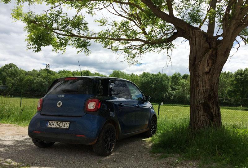 Smart ForFour w Livade koło restauracji-enoteki Zigante (kwiecień 2016), fot. Paweł Wroński