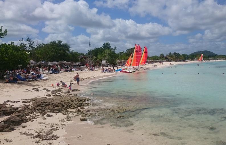 Komunikat prasowy w sprawie przywrócenia usług turystycznych na Kubie.